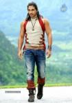 allu-arjun-stills-in-badrinath-movie