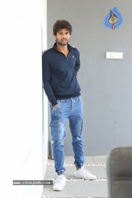Vijay Deverakonda Interview Photos - 21 of 33