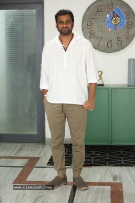 Yatra Movie Director Mahi V Raghav Interview Photos - 5 of 9