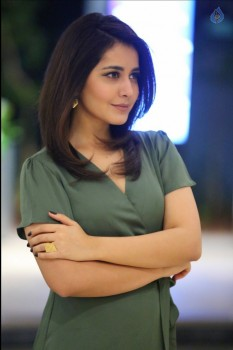 Raashi Khanna Latest Pictures :15-01-2017