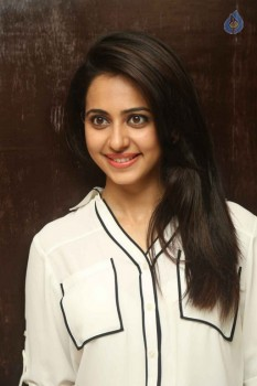Rakul Preet Singh Interview Photos :26-08-2015