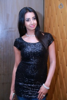 Sanjjanaa New Gallery :12-09-2016
