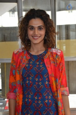 Taapsee New Photos :18-08-2017