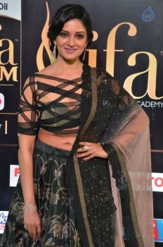 Vimala Raman Stills at IIFA 2017 :29-03-2017