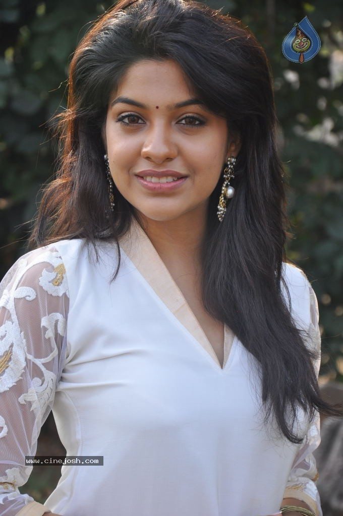 680 x 1024 jpeg 119kB, Galleries Actress Archana Kavi Stills : 55 / 75 ...