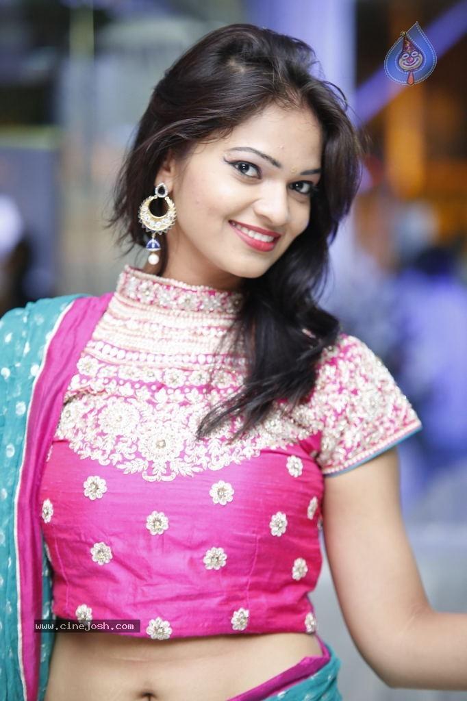 ashwini hot actress hot saree hot navel hot cleavage