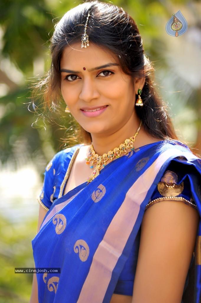 Download image Galleries Actress Bhavana Latest Stills 6 47 Photos PC ...