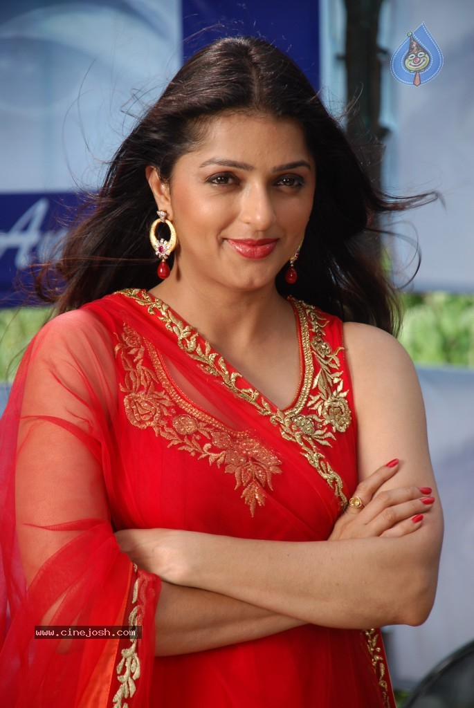bhoomika chawla photos gallery