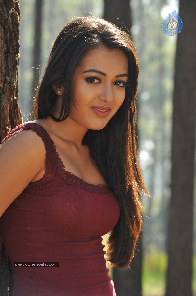 actress catherine tresa - photo #12