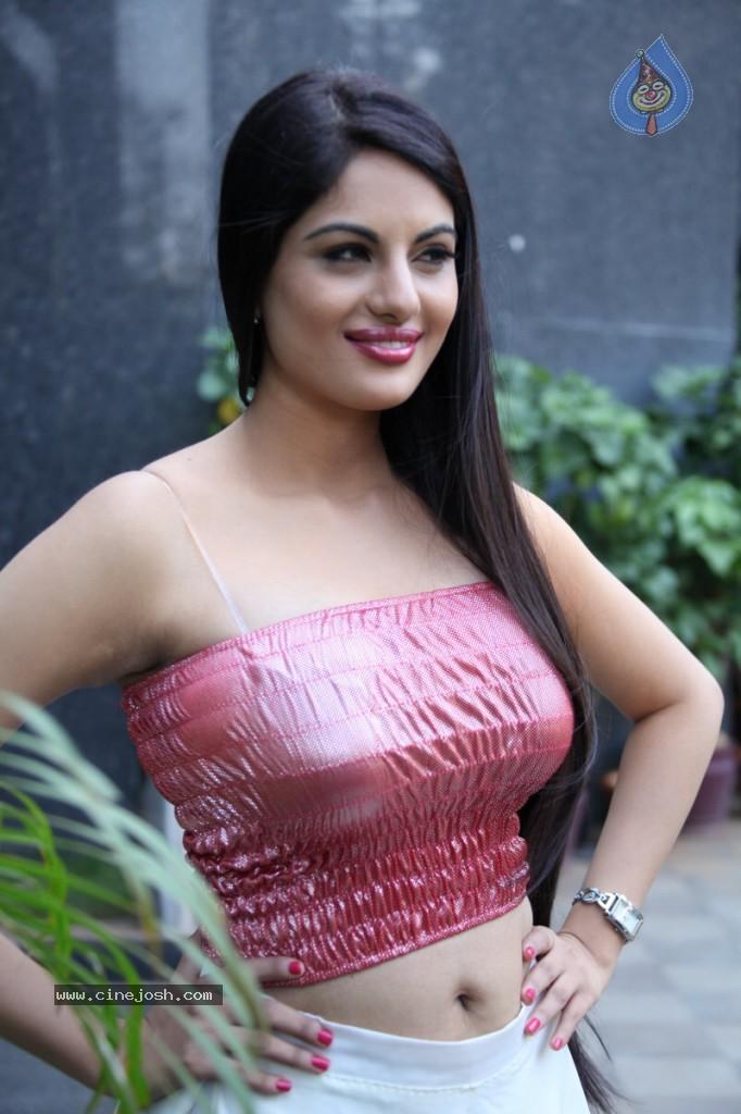Slicypics Indian Actress Tamanna Bhatia Photos: Jinal Pandya Hot Babe After A Long Tyms..Spicy Pics
