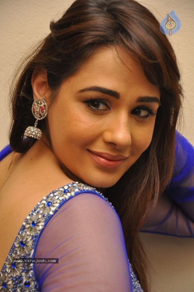 mandy takhar hot in blue bigcbit com agen resmi vimax