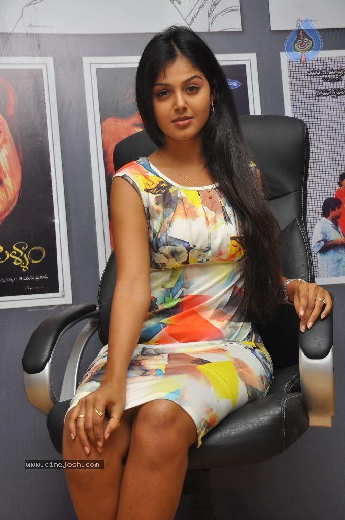 Monal gajjar hot photos photo 20 of 27 for Lovely hot pics
