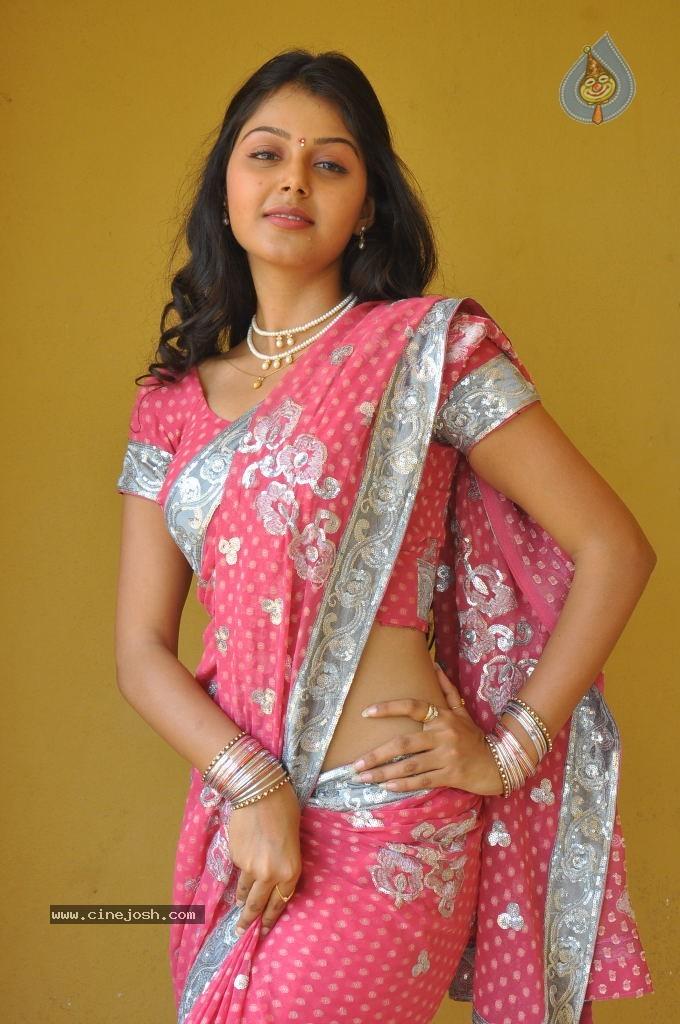 Monal Gajjar Hot actress hot saree hot navel hot cleavage