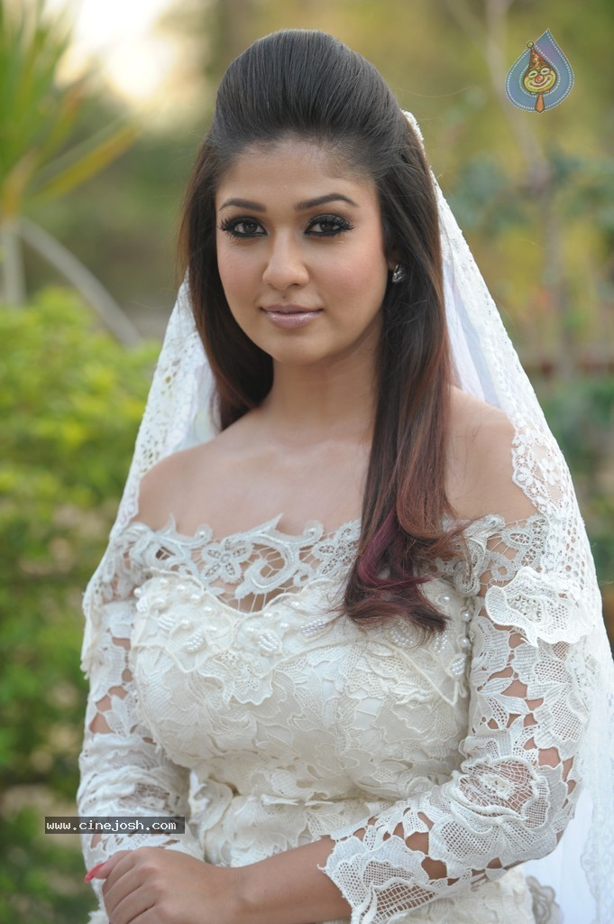 Download image Actress Nayanthara Latest Hot Stills PC, Android ...