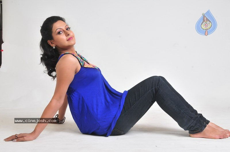 Neelam - Images Actress