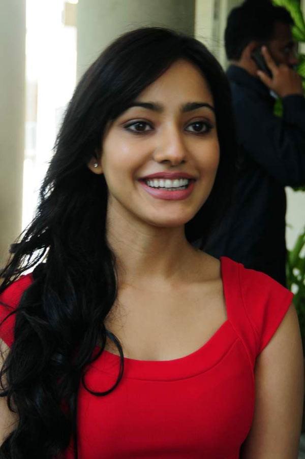 Neha Sharma - Photo Actress