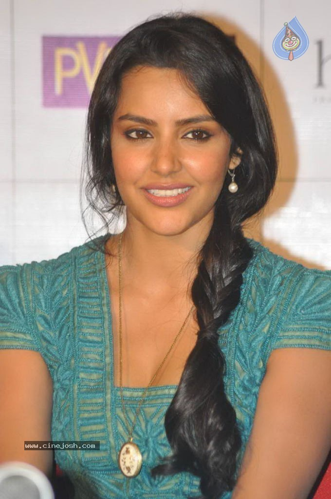 Download image actress priya anand latest photos pc android iphone