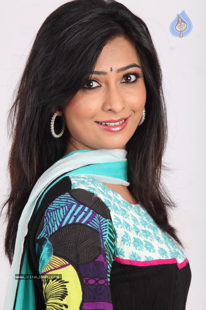 Radika Pandith Radhika pandit hot stills