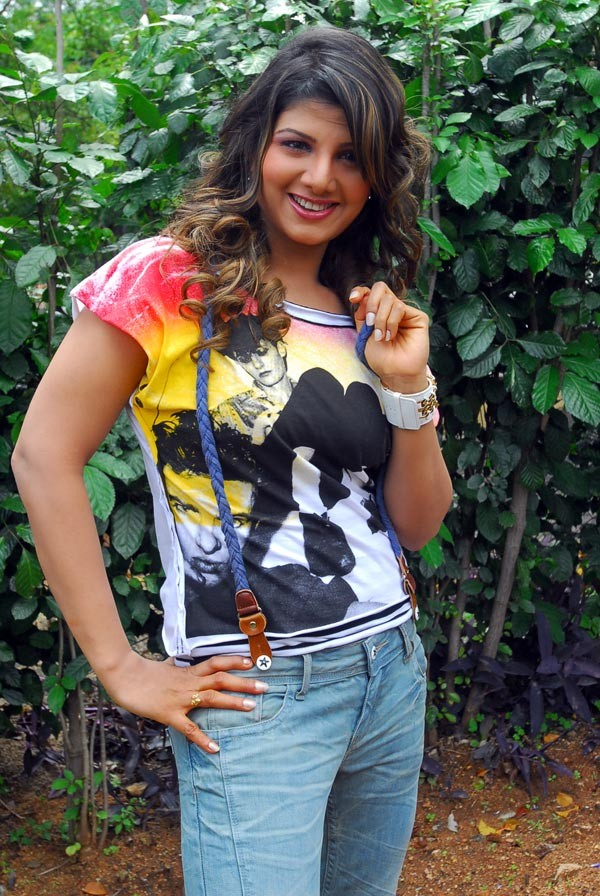 Video Description: South Indian Actress Ramba Photo Shoot Video