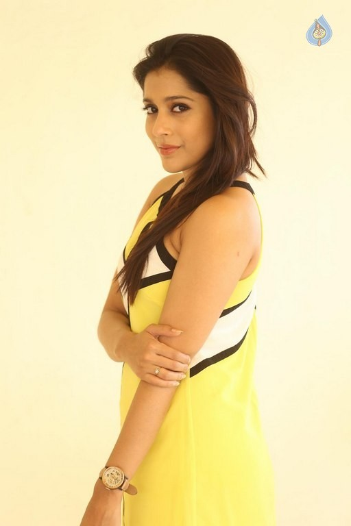 Rashmi Gautam New Pics - Photo 10 of 42: http://www.cinejosh.com/gallery-large/26404/2/9/rashmi-gautam-new-pics.html