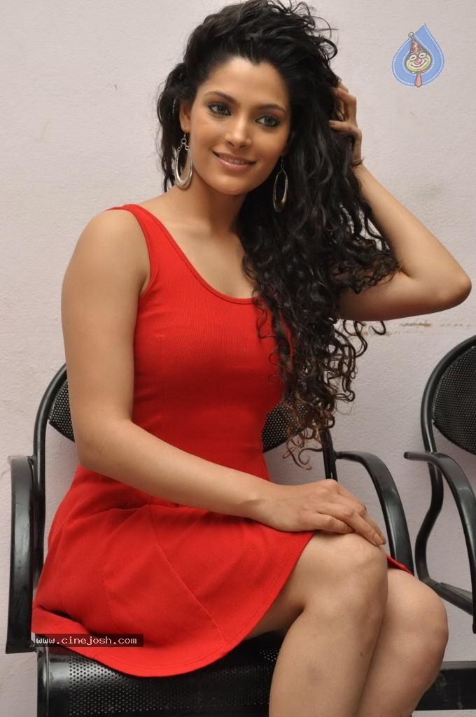saiyami kher hot photos   17 122 photos