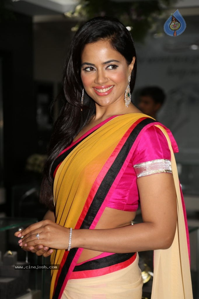 sameera reddy biodatasameera reddy photo, sameera reddy interview, sameera reddy daughter, sameera reddy, sameera reddy facebook, sameera reddy height, sameera reddy hot videos, sameera reddy baby, sameera reddy hot pics, sameera reddy biodata