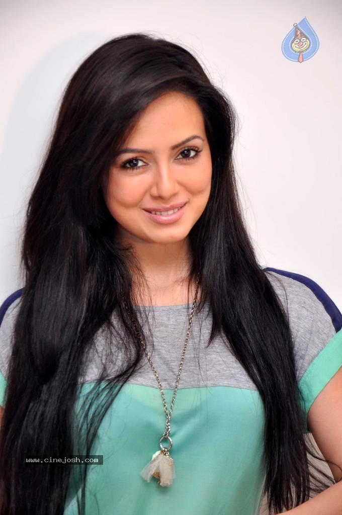 Sana Khan Latest Stills - Click for next photo