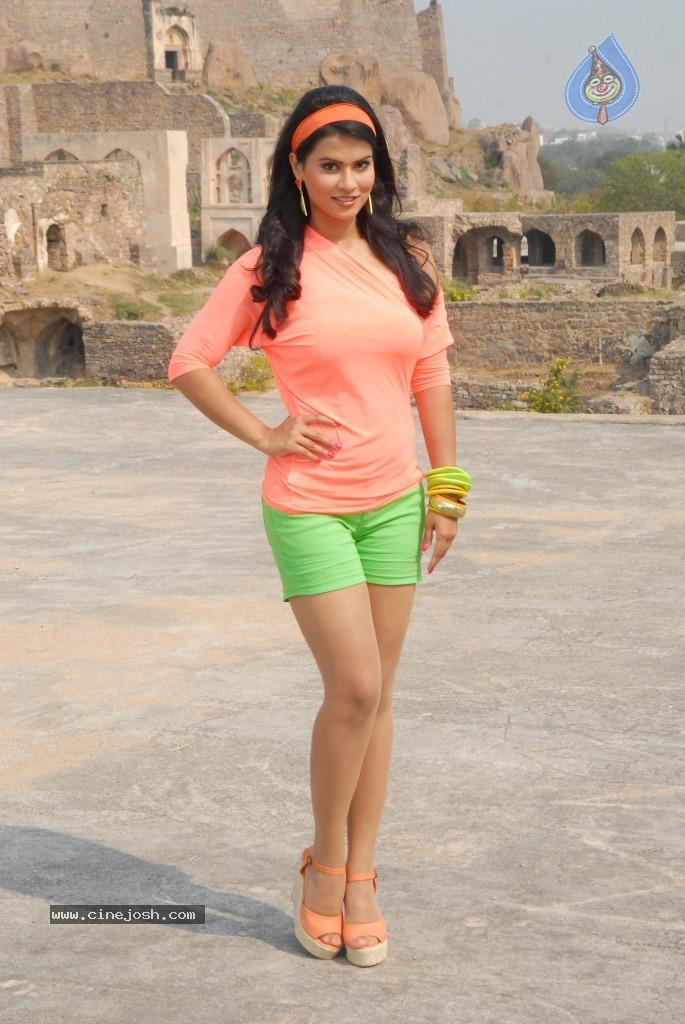 sharmila mandre actress
