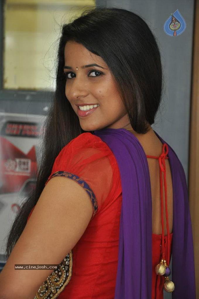 saree Shravya reddy hot