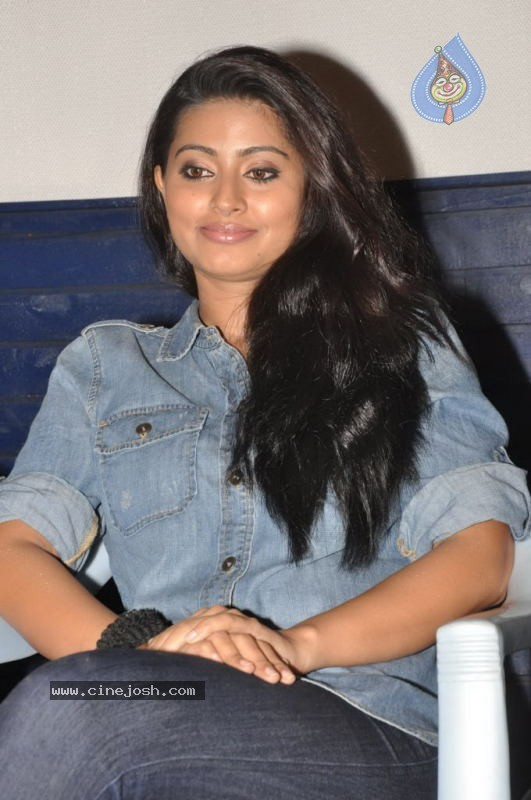 Sneha Actress Tamil Stills Gallery