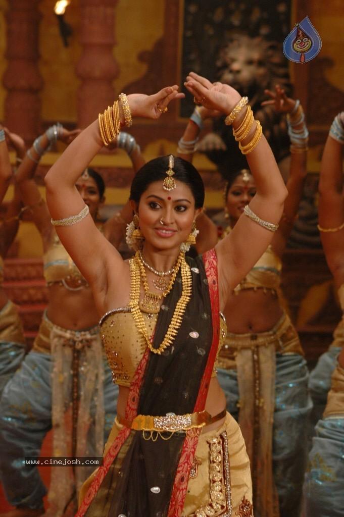 sneha stills in rajakota rahasyam photo 37 of 62