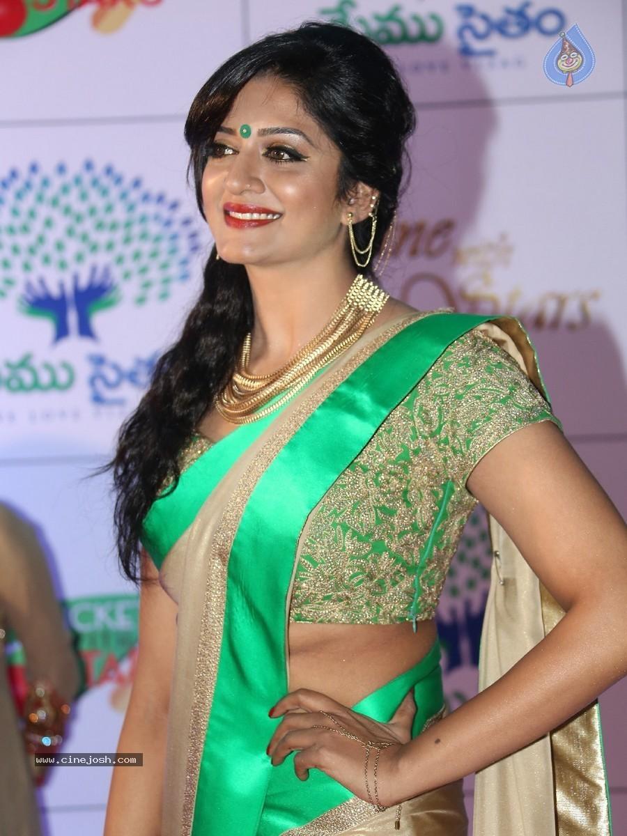 Actress Pictures: Vimala Raman Spicy Hot actress hot saree hot navel ...