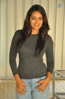 Bhanu Tripathri New Photos - 10 of 20