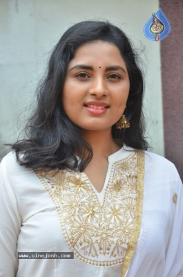 Heroine Srushti Dange Pics - 7 of 18