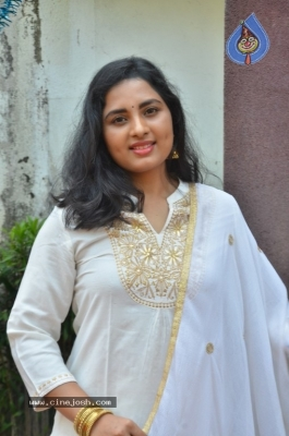 Heroine Srushti Dange Pics - 8 of 18