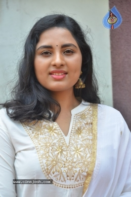 Heroine Srushti Dange Pics - 15 of 18