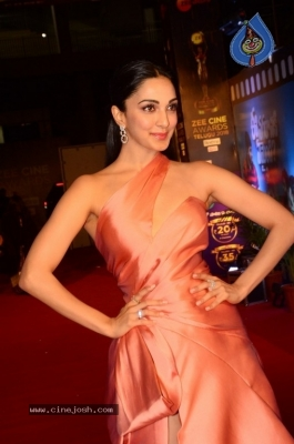 Kiara Advani at Zee Cine Awards 2018 - 4 of 21