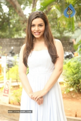 Kyra Dutt New Images - 3 of 21
