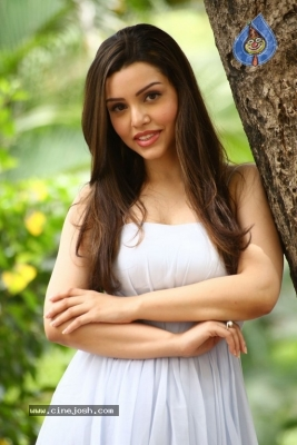 Kyra Dutt New Images - 16 of 21