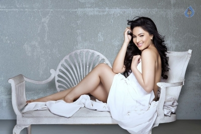 Nikesha Patel Photo Shoot Photos - 2 of 9