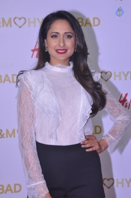 Pragya Jaiswal Gallery - 17 of 29