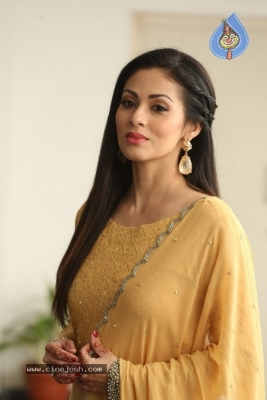 Sadha New Gallery - 9 of 20