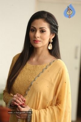 Sadha New Gallery - 10 of 20