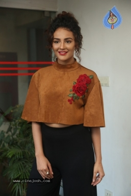 Seerat Kapoor at Raju Gari Gadhi 2 Press Meet - 19 of 30