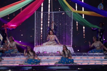 Celebrities Perform at Umang 2017 Show