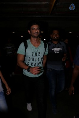Celebrities Spotted at Mumbai Airport