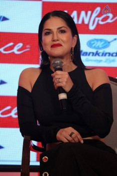 Sunny Leone Launches Manforce Calendar