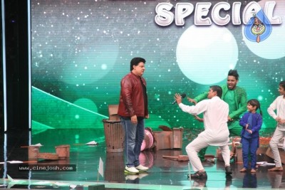 Super Dancer Show On Location Photos