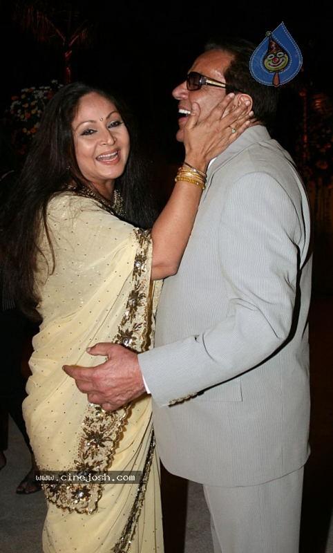 Celebs at Avantika Imran Khan Wedding Reception - Click for next photo