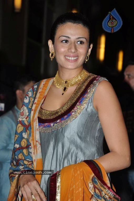 Celebrities at Esha Deol Sangeet Ceremony - Page 2